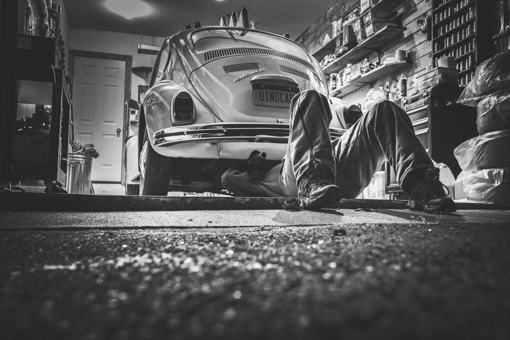 Biecz Drobne naprawy na drodze